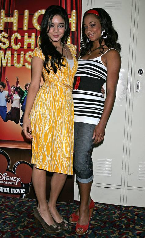vanessaannehudgens-dot-net_highschoolmusicalpress-hollywood2006may4-033.jpg